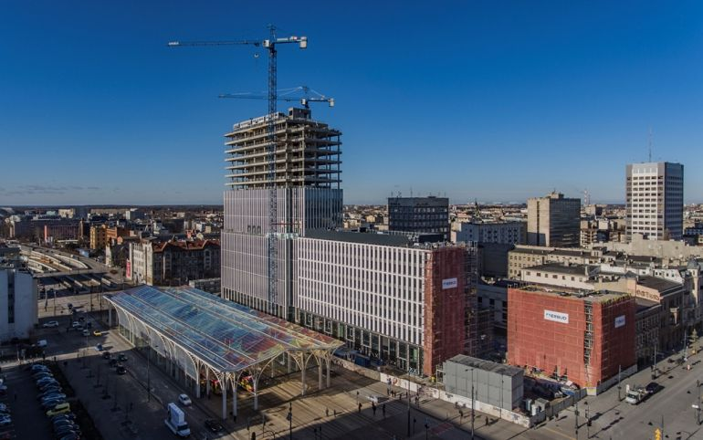 The Hi Piotrkowska office tower hits new heights and becomes the landmark building in Łódź